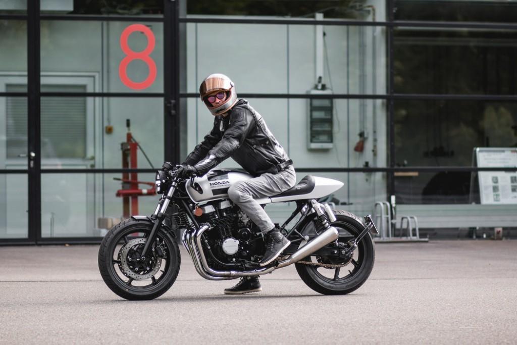 Honda CB750 RC42 Cafe Racer