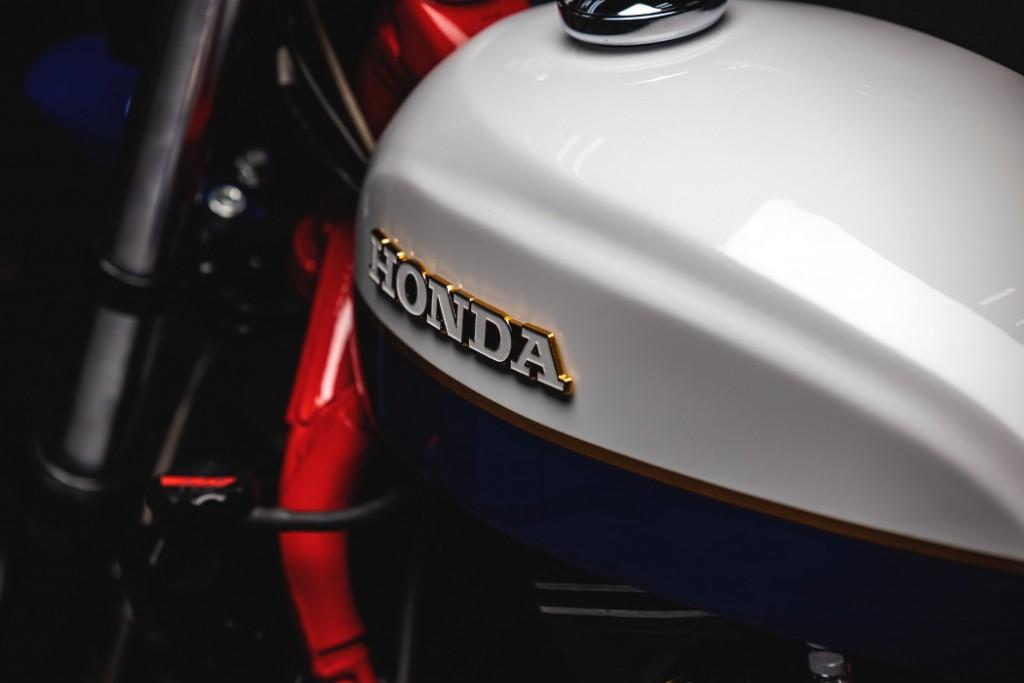 Honda V30 Magna Custom