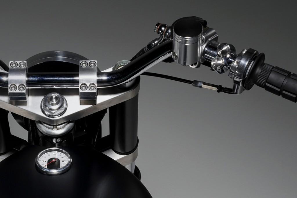 Honda CB550 Custom Roadster