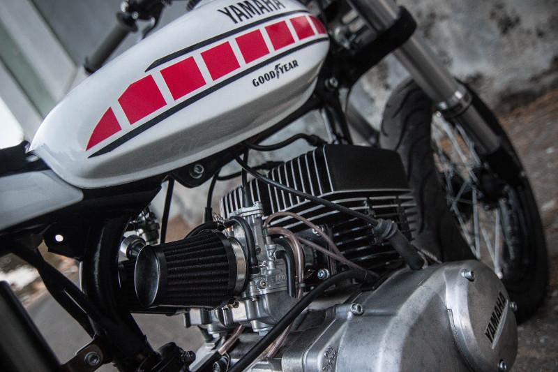 Yamaha RD125 Custom