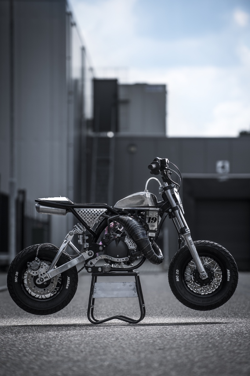 2-Stroke Mini Tracker