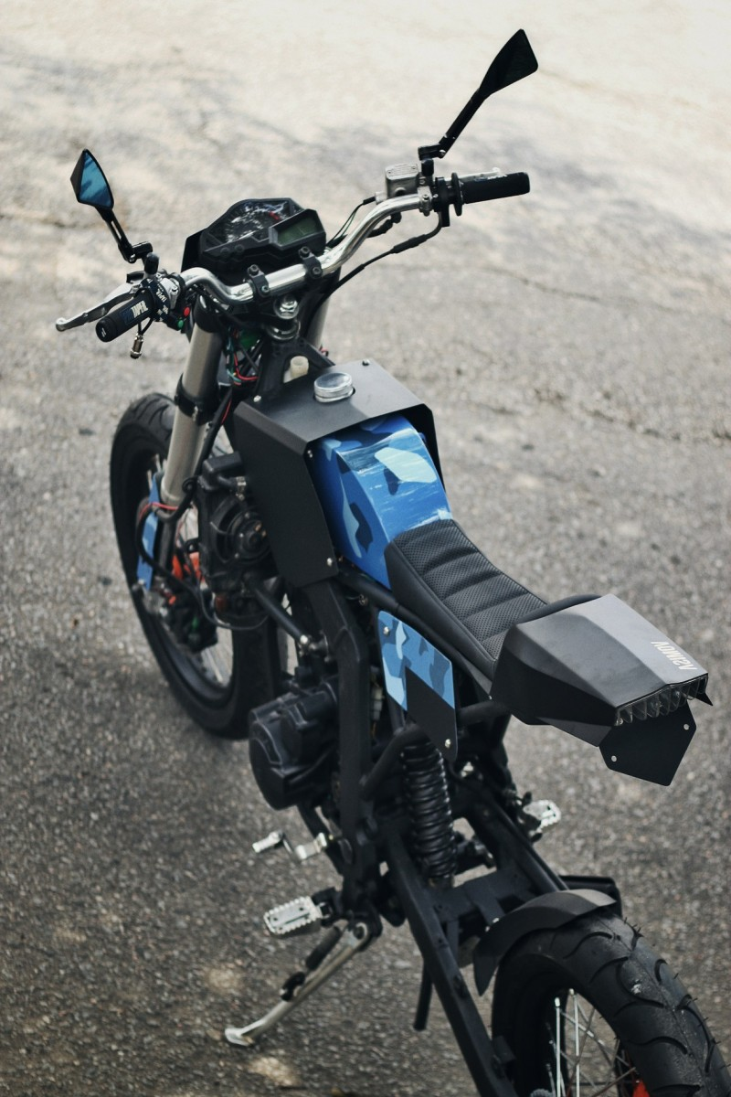 CRZ150 Supermoto Custom