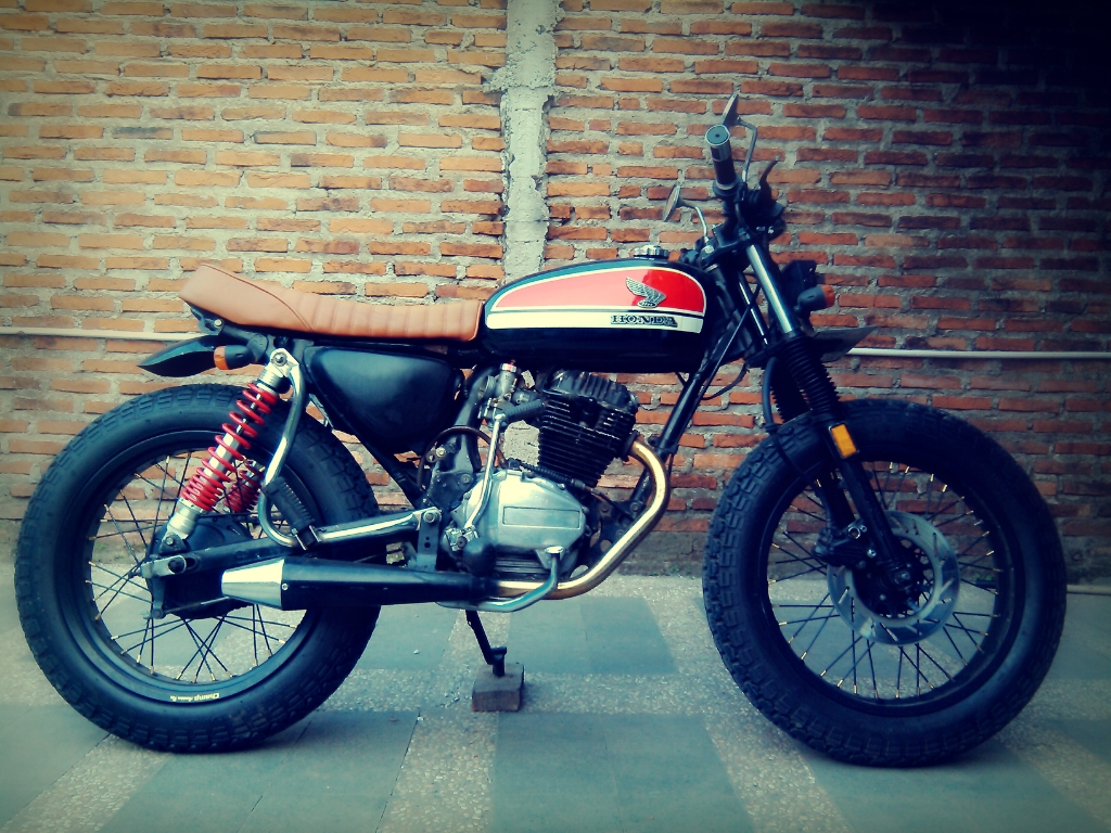 What Is A Brat Style Motorcycle Our Definition Bikebound 1970 Honda 125cc Gl Pro Tracker