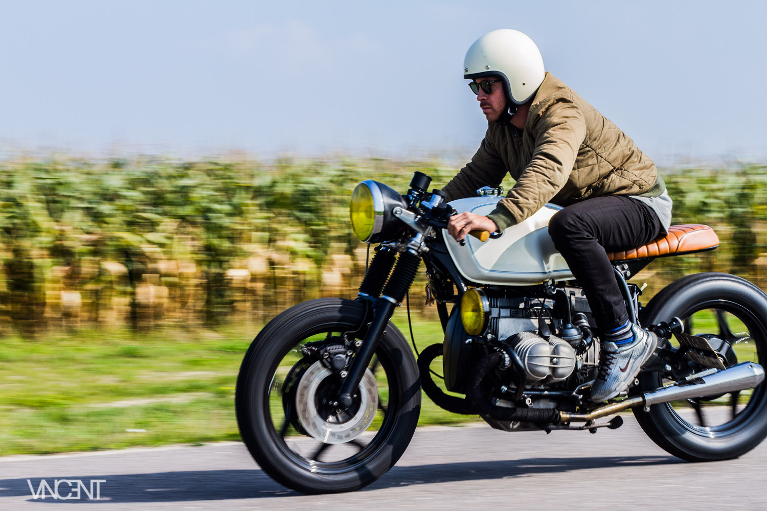 Fabuleux 1983 BMW R100 Cafe Racer by Ironwood Motorcycles – BikeBound XL06