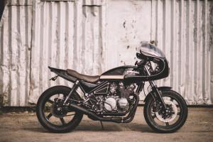 Kawasaki ZR550 Cafe Racer