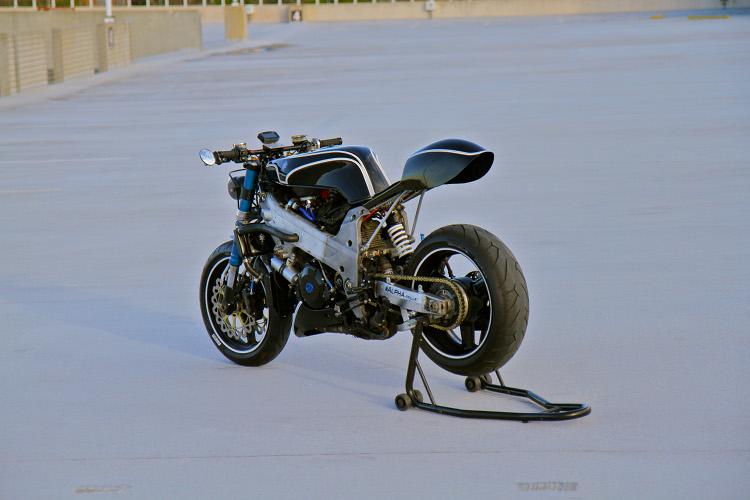 Suzuki-TL1000R-Cafe-Racer-6