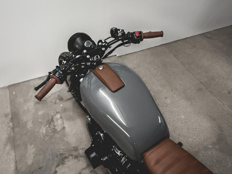 Suzuki GS550 Brat style