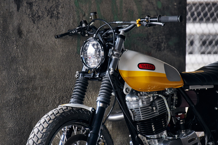Yamaha SR500 Tracker Scrambler