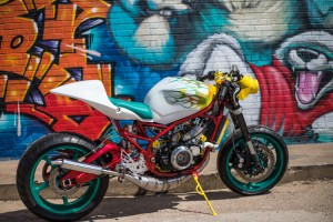 Yamaha RZ350 «Lab Rat» por Swinndustries - Gasogeno98