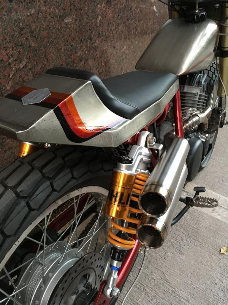 Suzuki GN250 Tracker