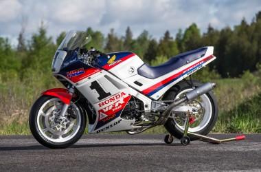 Honda VFR750 Superbike