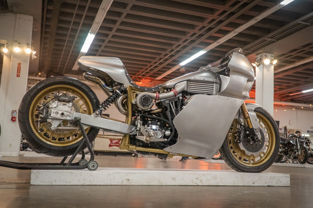 2007 H-D Dyna Streetbob by Royal-T Racing.