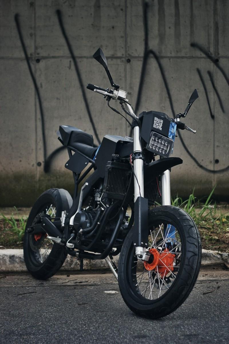 CRZ150 Supermoto Custom