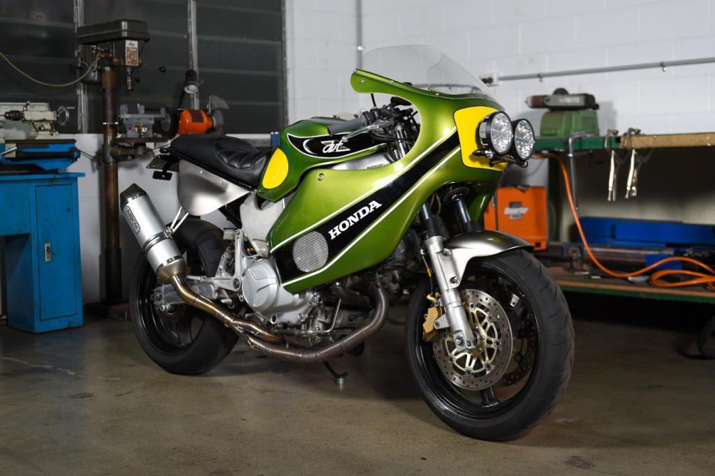 Honda VTR1000F Custom