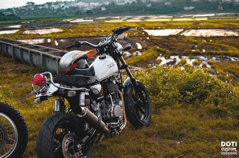 Yamaha SR400 Motard